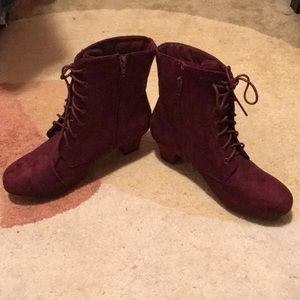 Shoes - Maroon lace up booties